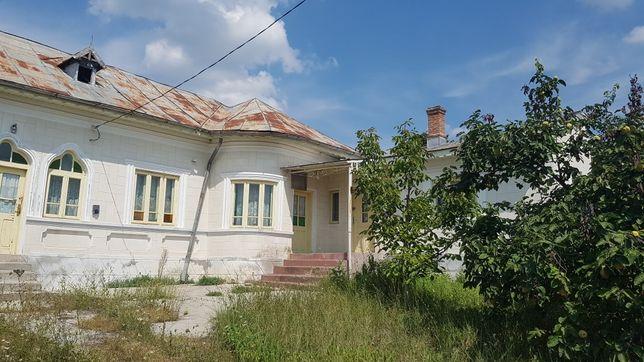 Casa traditionala si teren de vanzare in loc. Fauresti, Valcea