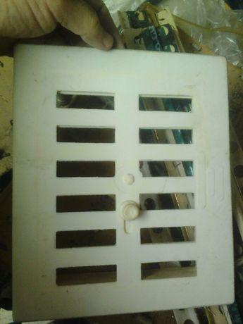 Продавам стар тип решетки за отдушник
