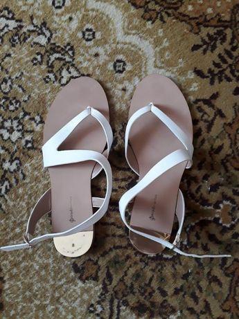 Sandale dama Stradivarius purtate o singura data