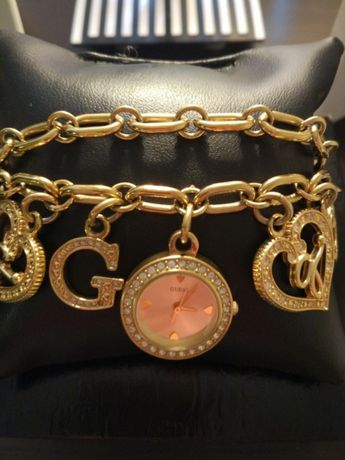 Продавам Guess гривна- часовник с кристали Swarovski