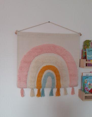 Decoratiune perete curcubeu