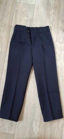 школьные брюки синего цвета