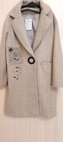 Продам новое пальто