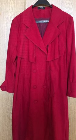Продавам дамски шлифер , микрофибър , размер М-L, червен