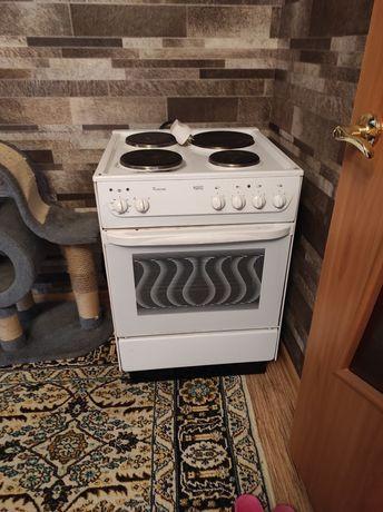 Плита электрическая в хорошем состоянии