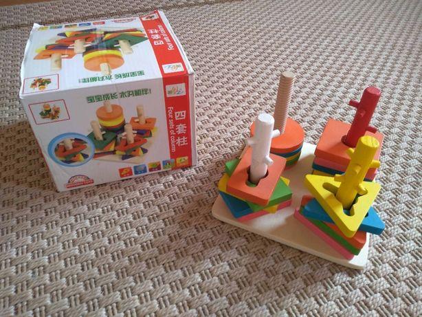 Vand joc de potrivire din lemn, forme geometrice, in 5 culori