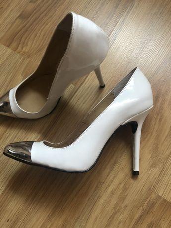 Обувки на висок ток Daris