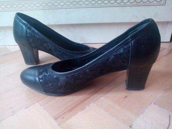Обувки от ест. кожа и дантела GIDO