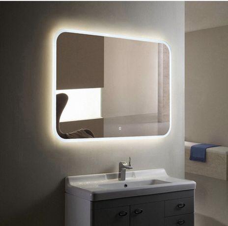 Зеркало с сенсорной подсветкой