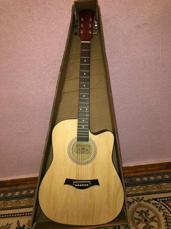 Продам новую аккустическую гитару
