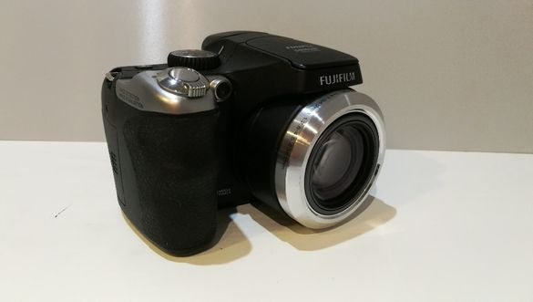 Фотоапарат Fujifilm S8000