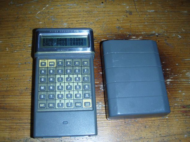 Calculator portabil Psion Organiser II, model XP