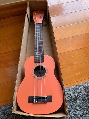Продам новый укулеле