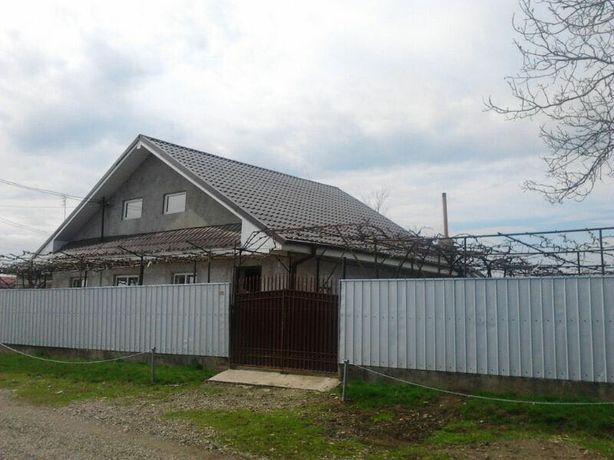 Casa cu gradina centru Mogoșești Siret