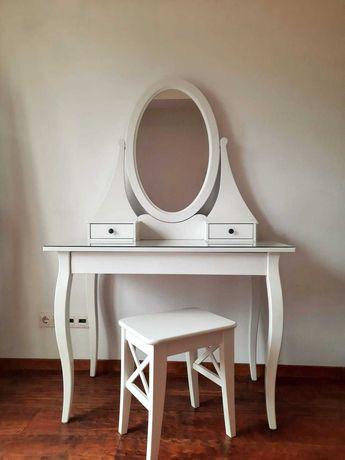 vand masuta de toaleta si taburet, albe, material lemn, IKEA