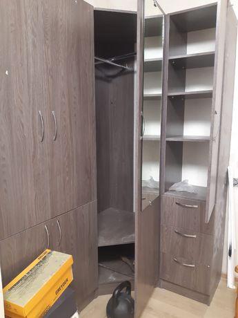 Угловой шкаф для спальни и пртихожей