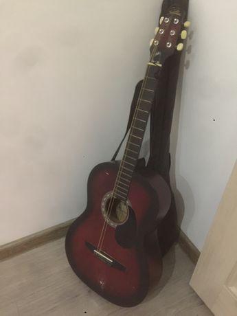 Срочно Гитара акустическая