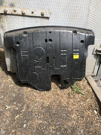 Пыльник двигателя санта фе 3