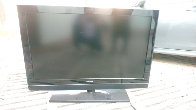 Продам телевизор на запчасти самсунг