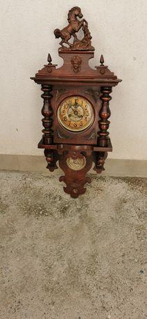 Ceas macanic vechi.