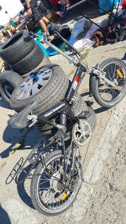 Bicicleta electrică pliabila