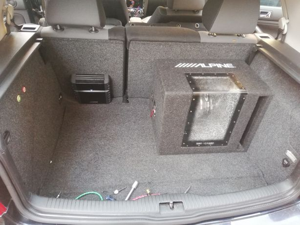 Montaj Car Audio/Led auto:Subwoofer-e,difuzoare, amplIficatoare,etc