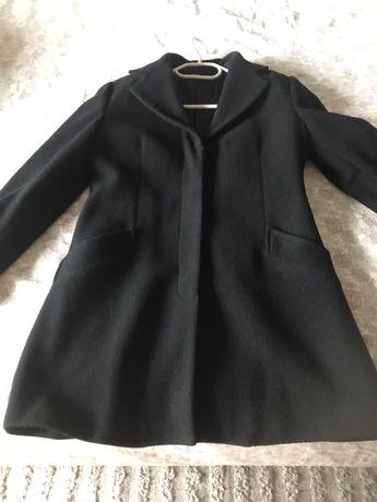 Palton negru din lana.