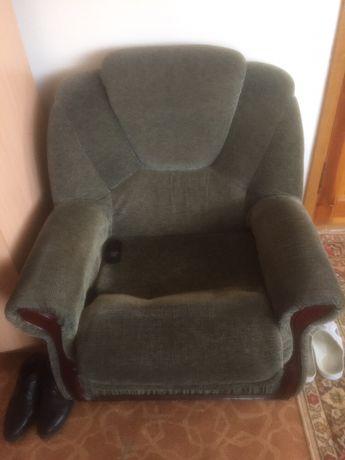 Продается кресло 2 шт