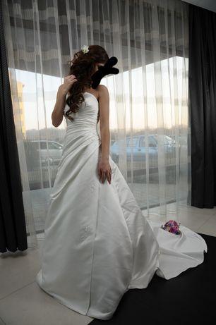 vand rochie mireasa firma PRONOVIAS