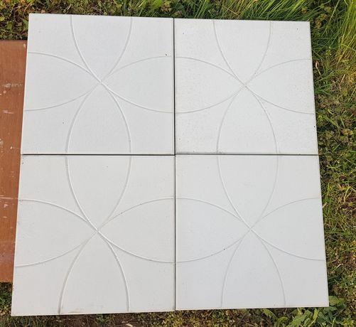 Dale pavaj beton 35 cm