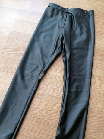 Vând pantaloni noi Zara pentru copii