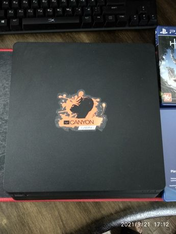 PS 4 slim + игры