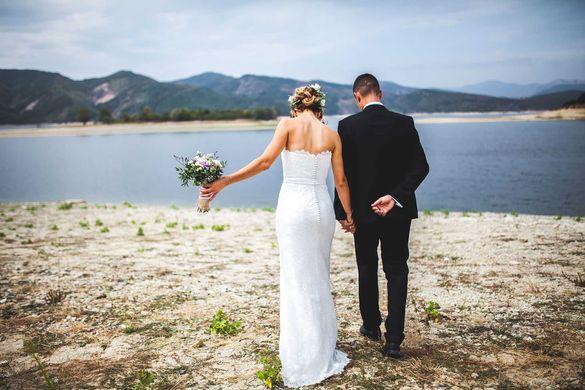 Булчинска рокля, размер М, сватбена рокля от френска дантела