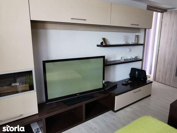Apartament cu 2 camere decomandate Rovine