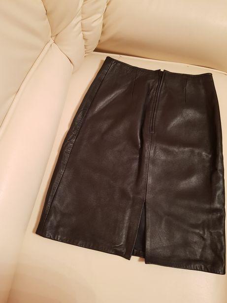 Vand pantaloni de piele si fusta de piele marimea S/M