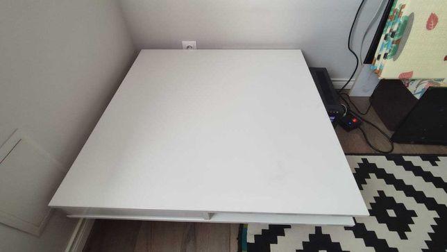Журнальный стол Икеа