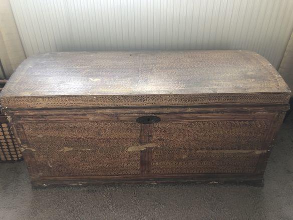 Дървен сандък старинен