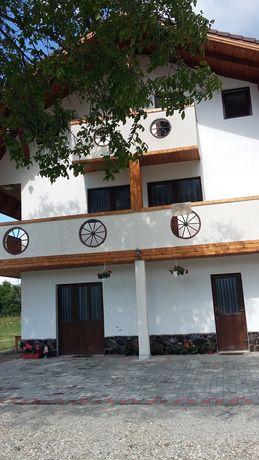 Inchiriez Cabana / casa de vacanta pe Valea Avrigului