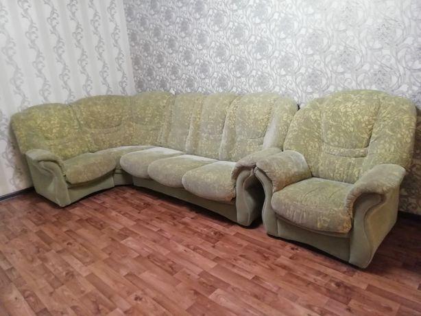 Продам мебель диван ,стулья,