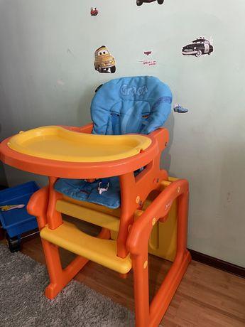Продам стульчик для кормления.