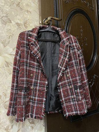 Продается пиджак твидовый