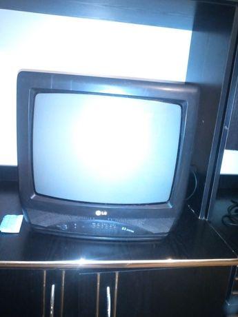 Здравствуйте ,продам телевизор LG.4000 тг ,торг уместен.