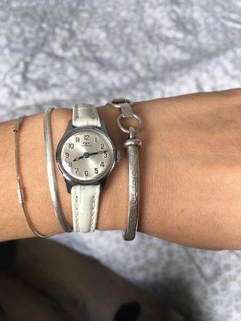 Швейцарски часовник технос
