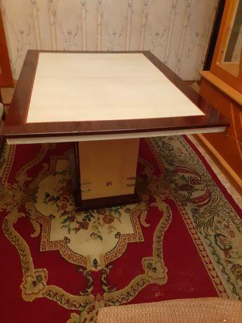 Раскладной красивый стол