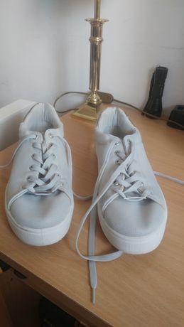 Adidasi SCHUH originali culoare Silver ( argintii ) Marime 37 !!!