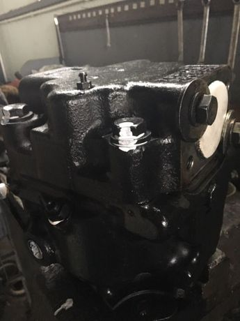 Pompa hidraulica 708-1W-41522 Komatsu WB 93 R, WB 95 S