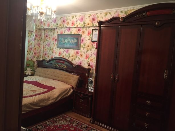 Продам шикарный спальный гарнитур