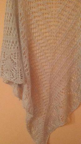 Ръчно плетен ажурен шал