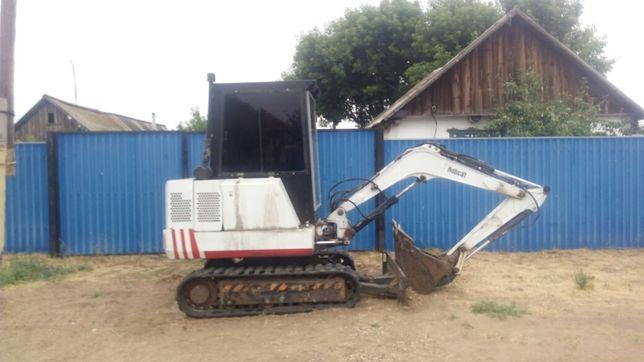 Bobcat 225 mini-excavator