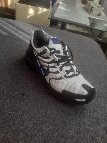 Adidași Nike torch 4